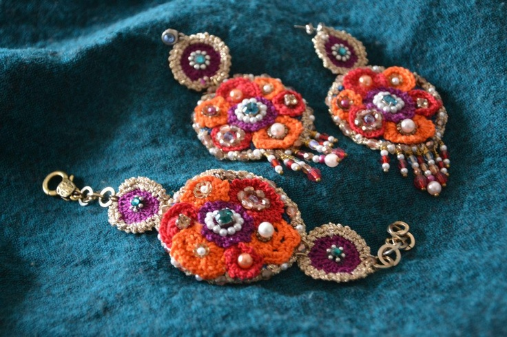 parure earrings and bracelet - basic cotton yarn very colorful .... the colors of Mexico