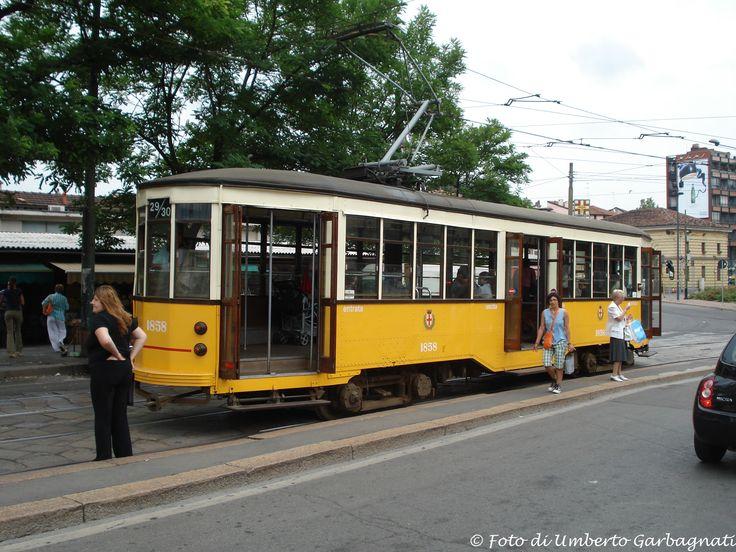 .... vettura (Peter Witt del 1928) versione bicolore, ATM-1858 .... 03 ago 2009 - © Umberto Garbagnati -
