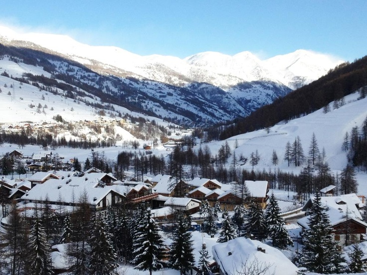 All Inclusive Ski in Italy - Pragelato Vialattea, an all-inclusive hotel in the Italian Alps #thesnowmag #snowmagazine #allinclusive #travel #snowtravel