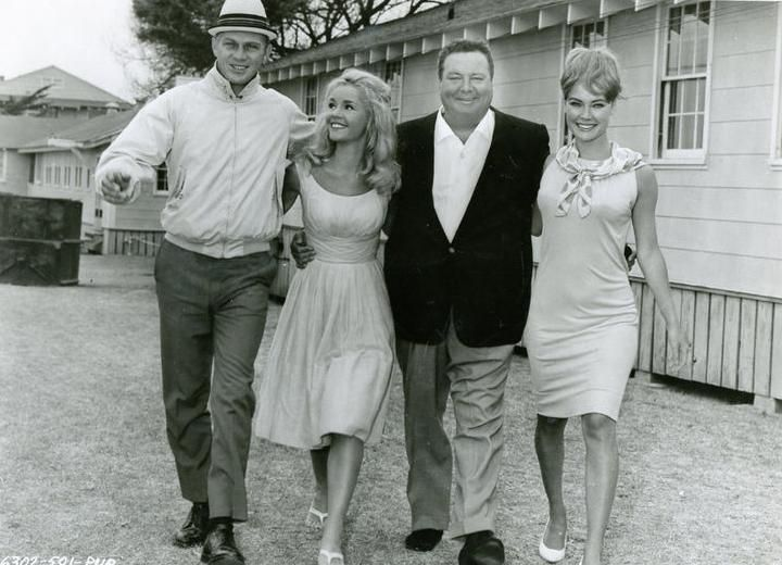 Steve McQueen, Jackie Gleason, Tuesday Weld, and Chris Noel in Soldier in the Rain (1963)