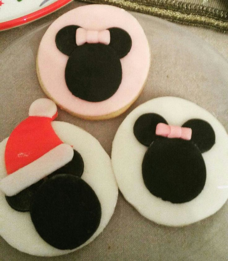Minnie and Mickey mouse cookies!!
