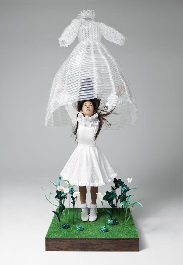 Artwork : Daisy Balloon Production : Atsushi Umezawa Photography: Satoshi Minakawa Styling : Kumiko Iijima Hair : Noboru Tomizawa Model : Ninon Webb