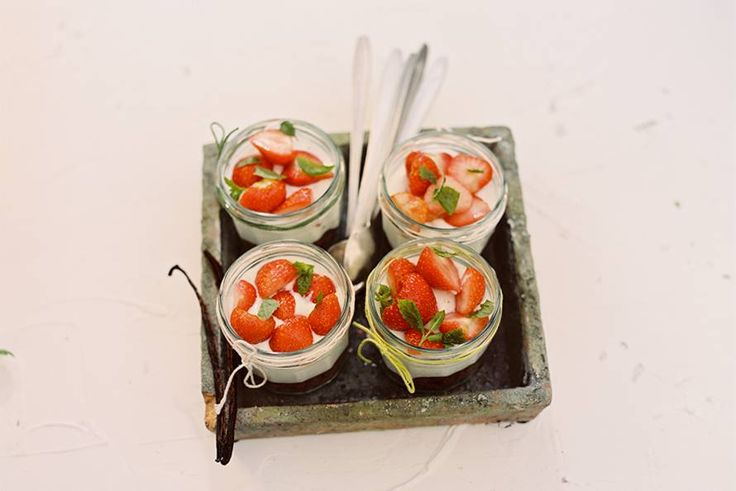 Aardbeien-kwarktrifle