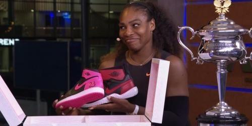 Sport: #Michael #Jordan #regala un paio di scarpe a Serena Williams e le manda una lettera (link: http://ift.tt/2kzVmZh )