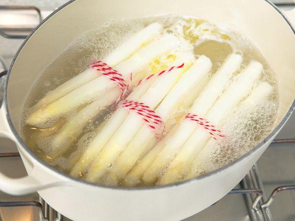 Spargel kochen - Schritt für Schritt erklärt - spargel-kochen  Rezept