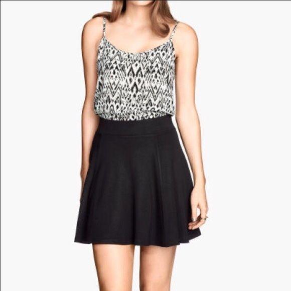 Black Circle Skirt Black H&M mini skirt with zipper on the back H&M Skirts Circle & Skater