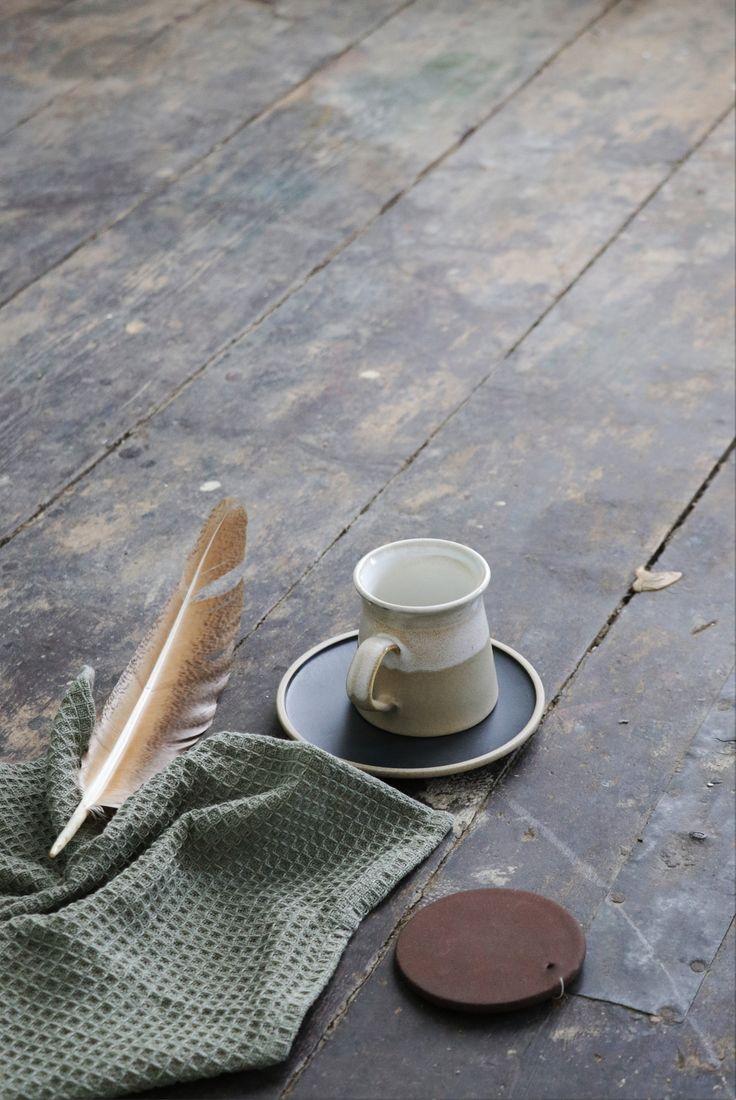 Concept-Styling-Photograpy: Sanne Ketelaar #slowliving #scandinavian #scandinavianlifestyle #interior #scandinavianinterior #interiordesign #styling #stylingdesign #ceramic #wabisabi #perfectimperfect #stylist #conceptstylist #sanneketelaar #lifestyle #inpspiration #livingroom #tableware