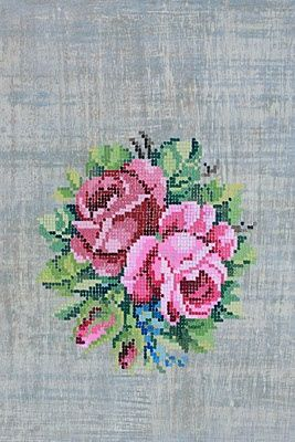 This is one of the most glorious cross stitch rose motifs I have ever seen!