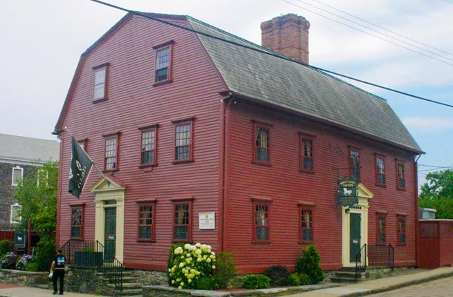 White Horse Tavern, Newport, Rhode Island - Definitely full of atmosphere and history! #Newport #RI