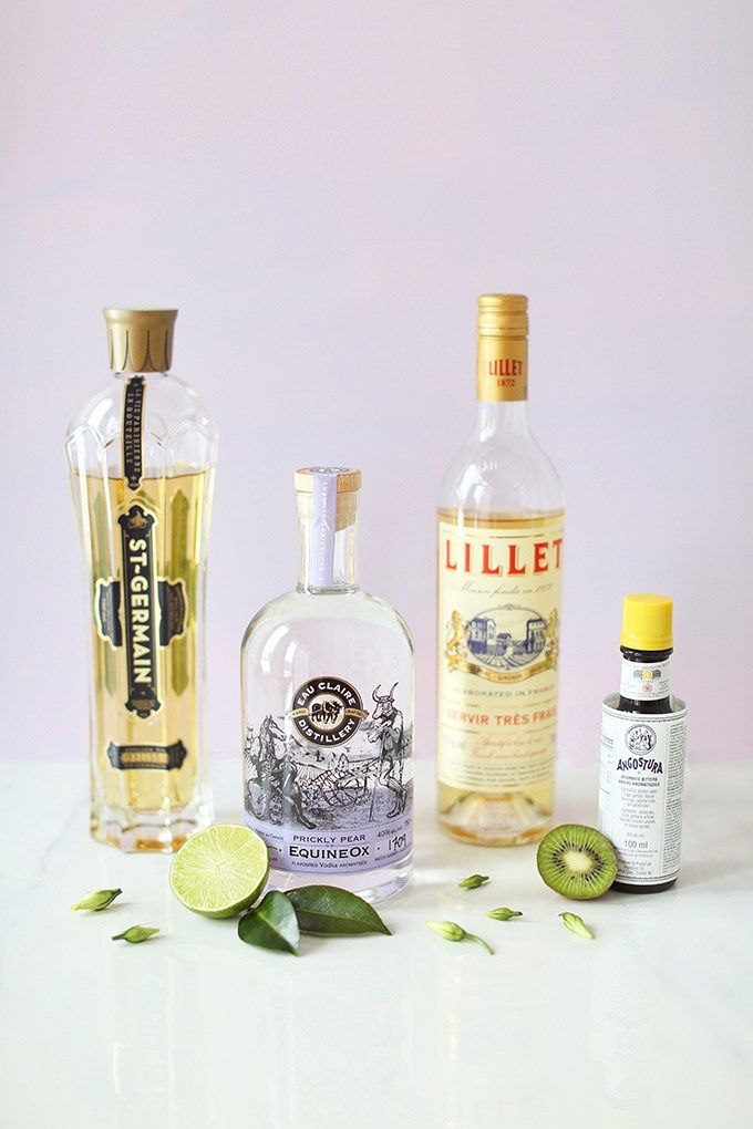 Spring Equinox Kiwi Elderflower Smash with St. Germain Liquer, Lillet Blanc, Angostura Bitters, Kiwi, Lime and Soda + Eau Claire Distillery Prickly Pear EquineOx Giveaway! // JustineCelina.com