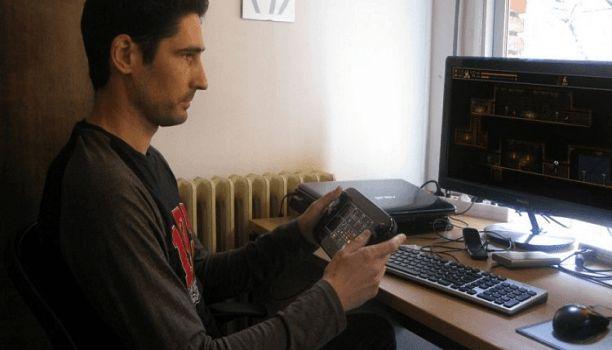 ACLARACIÓN: esta entrevista fue realizada el 16de juniode 2016.  El diseñador de videojuegos español creador de UnEpic y el recien Ghost Francisco Téllez de Meneses nos ha concedido una entrevista en la que ha comentado varios aspectos sobre el desarrollo de su última obra. Al final de esta entrada tendréis un enlace para leer nuestros análisis de sus dos juegos nos acompañas?  Háblanos sobre Ghost 1.0: cómo surgió la idea?  Un día hablaba con otros desarrolladores y uno de ellos me sugirió…