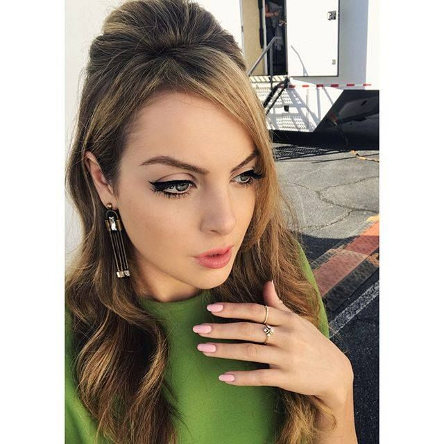 Fallon carrington eyeliner