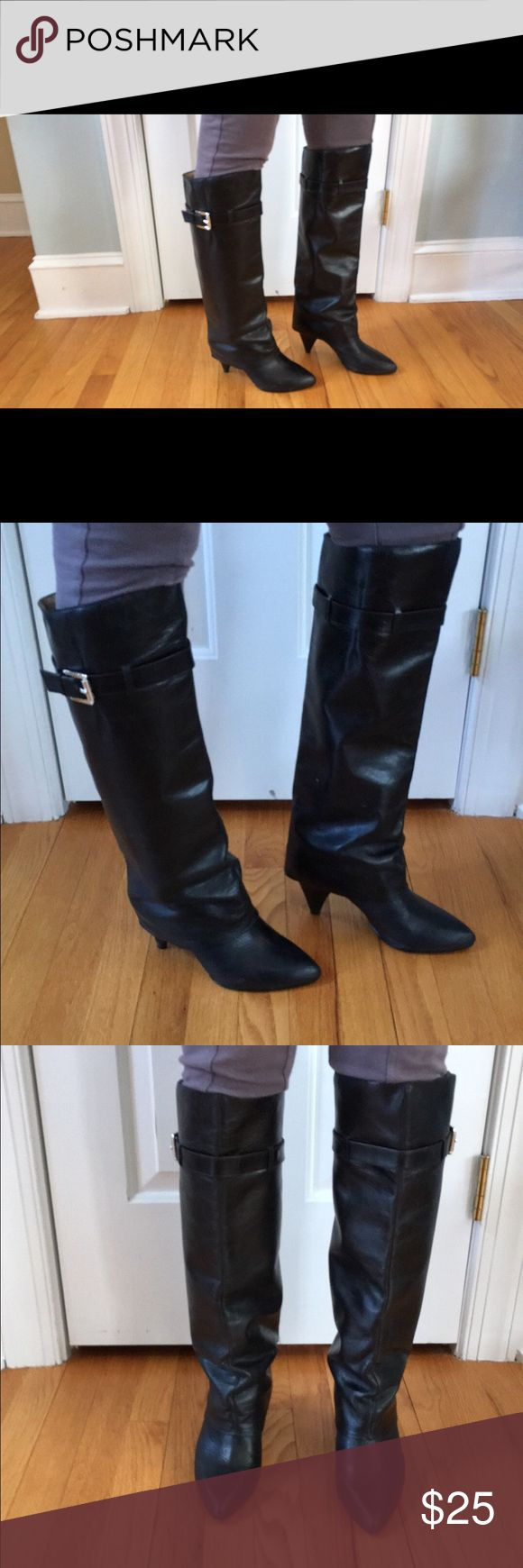 Michael Kors knee high black leather boots Black leather knee high boots in good condition. Leather is in great condition but heels are a little banged up as pictured Michael Kors Shoes
