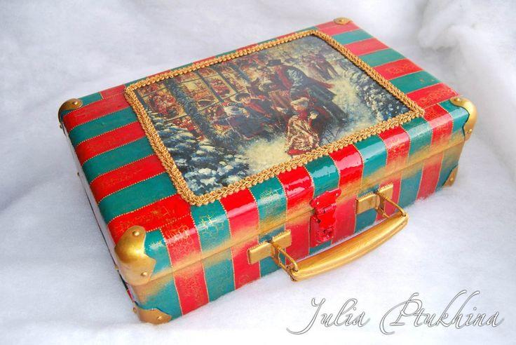 Винтажный чемодан «Семейные традиции». Размеры – 40x25x12 см