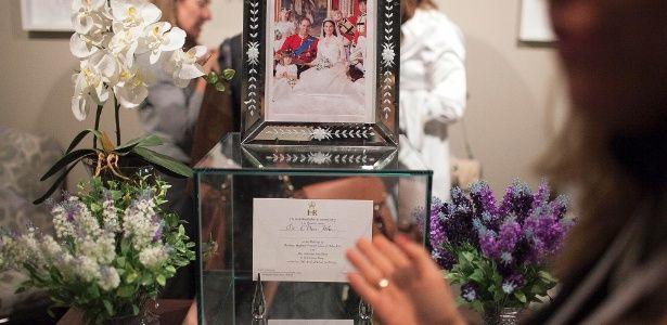 Feira de luxo para noivas em SP tem convite de príncipe William e Kate e docinhos com ouro