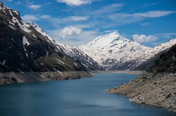 Photo white giant by Johannes Ha on 500px