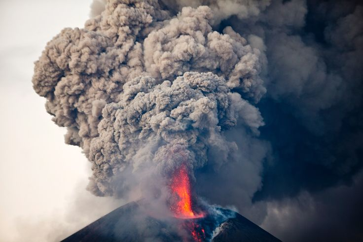 Campi Flegrei is one of world's most dangerous super volcanoes, and now scientists warn that it has reached critical phase and could erupt, which would mean apocalyptic consequences. A super …