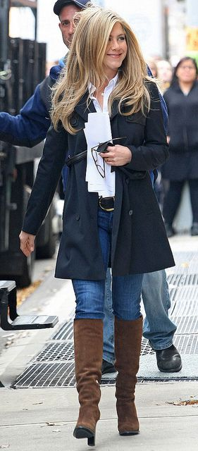 This look is so clean. I love that white button down shirt with that trench. Totally something I could rock to work!