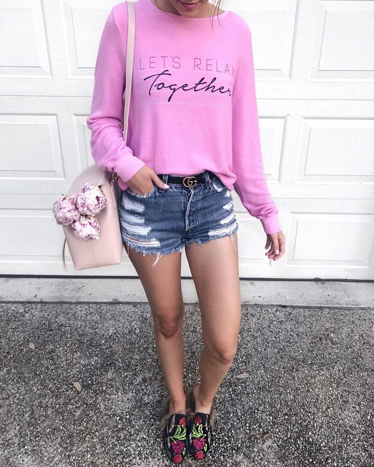 weekend plans - let's relax together 🌸☺️what're you up to this holiday weekend? this unbelievably comfy and soft sweatshirt is currently on sale 30% off 💗 plus this adorable pink shoulder bag is also on sale 25% off 🙌🏻 so many good sales this weekend! get the details here - http://liketk.it/2rSGb @liketoknow.it #liketkit ....#ltksalealert #ltkunder100 #ltkunder50 #weekend #weekendwear #weekendstyle #favorite #pink #wildfox #levis #gucci #summer #summerstyle #style #styleblog #fblog…