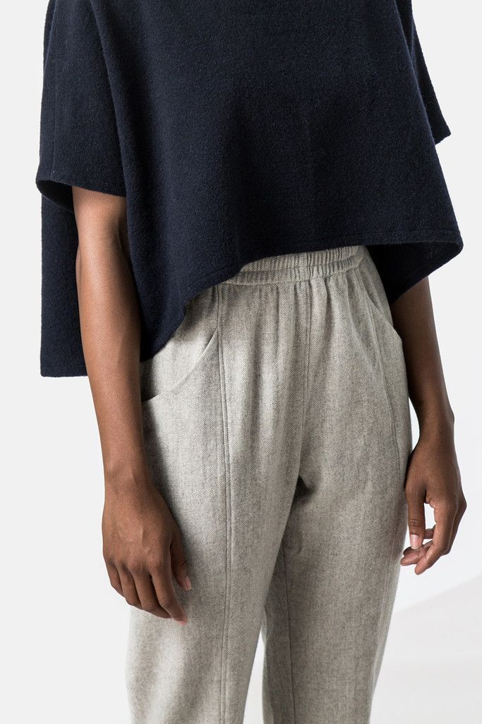 FW Clyde Pant | @andwhatelse |  loose navy top and grey lounge pants