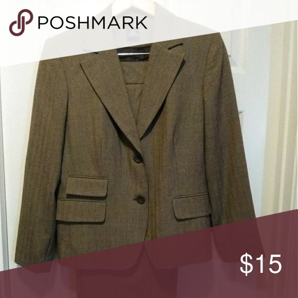Ladies east 5th brown pant suit East 5th brown pant suit for ladies in excellent condition. East 5th Jackets & Coats Blazers