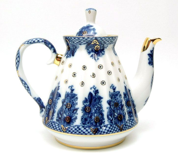 Fine porcelain teapots from the House of Lomonosov are at the Russian Gift Shop in Lisle IL