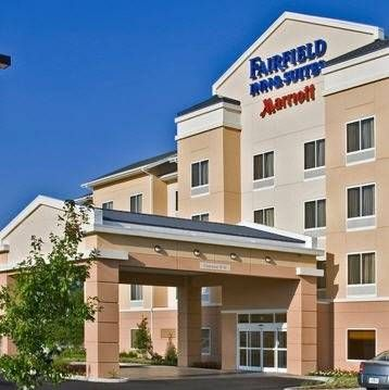 Fairfield Inn by Marriott Bangor Bangor (Maine) Just a 5-minute drive from Bangor International Airport, Fairfield Inn Bangor offers spacious rooms with free Wi-Fi and a flat-screen TV. Facilities include an indoor pool and a whirlpool.