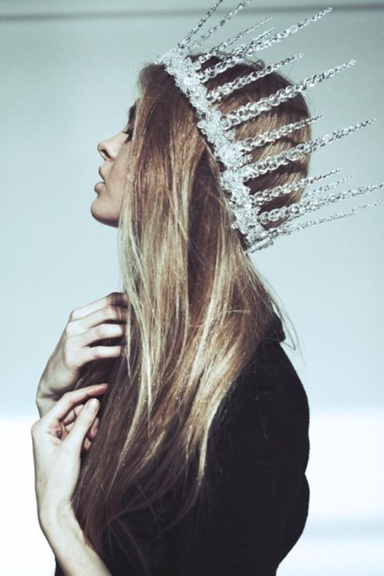 DIY Crowns. Thinking I can make this with Dollar Store plastic Christmas icicles and my hot glue gun. Then maybe spray with silver and glitter. Hmmmmm.... creative juices flowing.