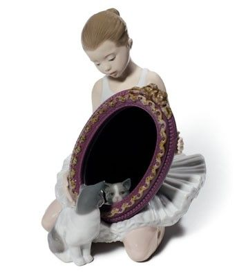 LLADRO - A PURR-FECT REFLECTIONAvailable at Houston Jewelry  www.houstonjewelry.com