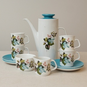 Bold and colourful Meakin Coffee Set for four, practical vintage £18 + postage & packing