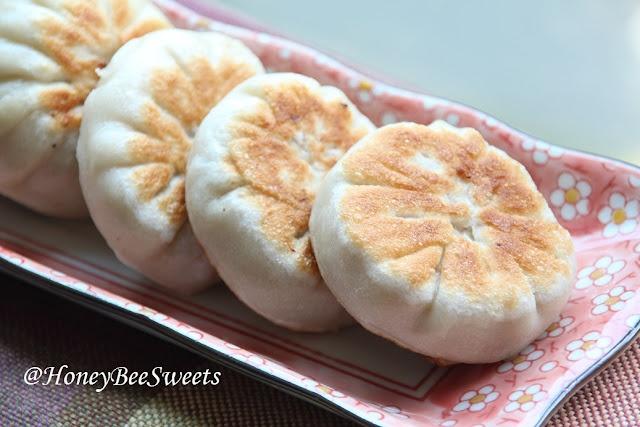 Honey Bee Sweets: Pan Seared Meat Dumplings (鲜肉馅饼) | Favorite ...