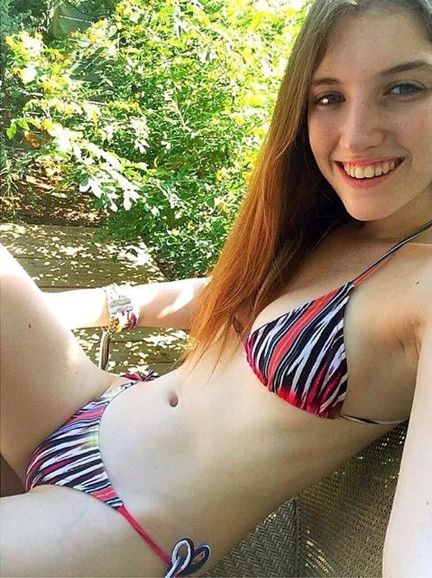 Hinterhof Teenager in Badeanzügen Bilder #15