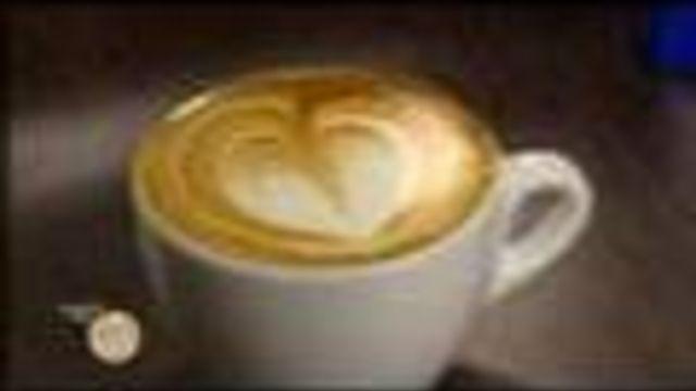 Cappuccino met een hartje? Leuk om je vader mee te verrassen, tijdens #vaderdag bijvoorbeeld. Zo schenk je 'm!