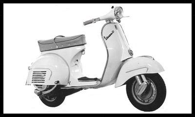 1 VESPA 160CC GS VSB1T GRANSPORTModèle qui est apparu de 1962 à 1964. - Caractéristiques commerciales de l'époque VESPA 160cc GS : Moteur monocylindre 2 temps - Cylindrée exacte : 158,53 cc - Alésage x Course : 58 x 60 mm - Boite 4 vitesses - Carburateur Dell'Orto SI 27/23 - Compression 7.3:1 - Puissance 8 à 6.500 T/min - Lubrication à 5% - Freins à tambour - Suspension à ressort hélicoidal avec amortisseur hydraulique sur la roue - Selle biplace Klaxon