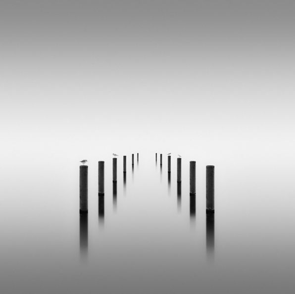 These long exposure photographs are the most surreal pictures ever minimalist photographyblack white
