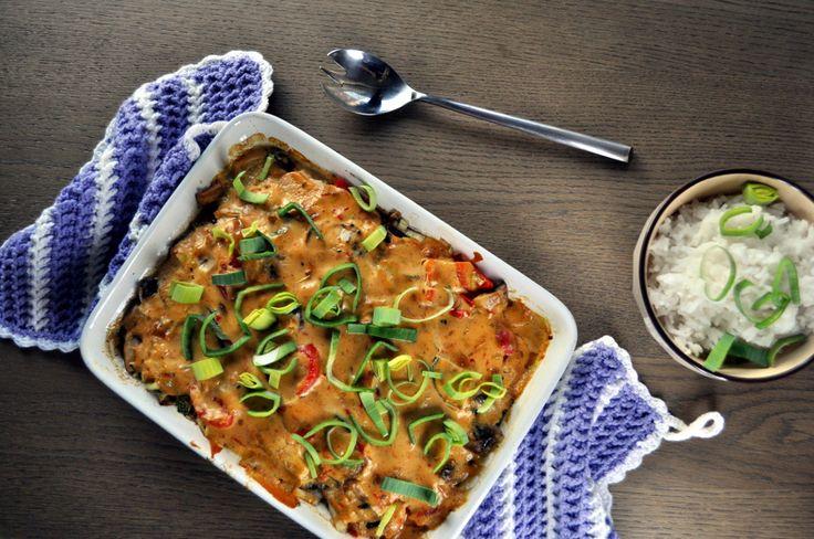 Drømmekylling er en ovnsbakt kyllingrett med crème fraîche og mango chutney som er rik på spennende smaker.