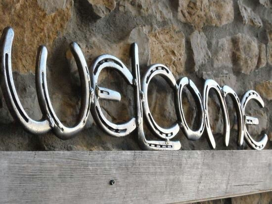 Horseshoes Welcome Sign. Love this!