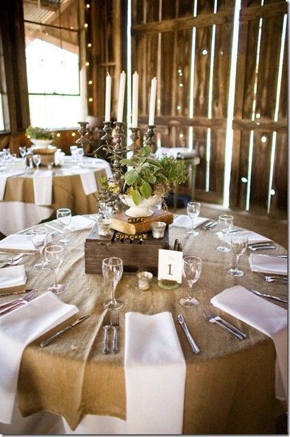 Gorgeous linen and burlap. Classy, pretty and rustic all rolled into one!!!: Tables Sets, Burlap Tables, White Linens, Tables Linens, Centerpieces, Round Tables, Barns Wedding, Center Pieces, Rustic Wedding