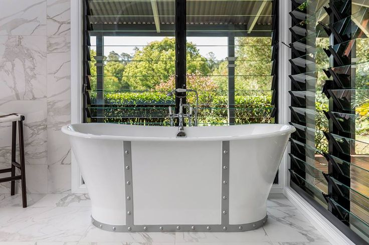 The Monaco cast iron bath by Prodigg. Completed renovation by Designer kitchens West End.