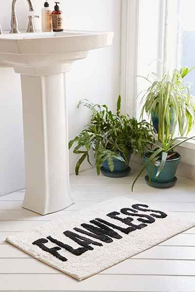 25 best ideas about bathroom rugs on pinterest kilim for Bathroom ideas apartment therapy