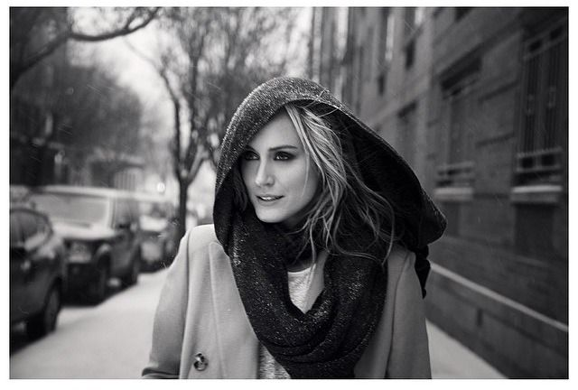 taylor schilling- love her and this photo♡
