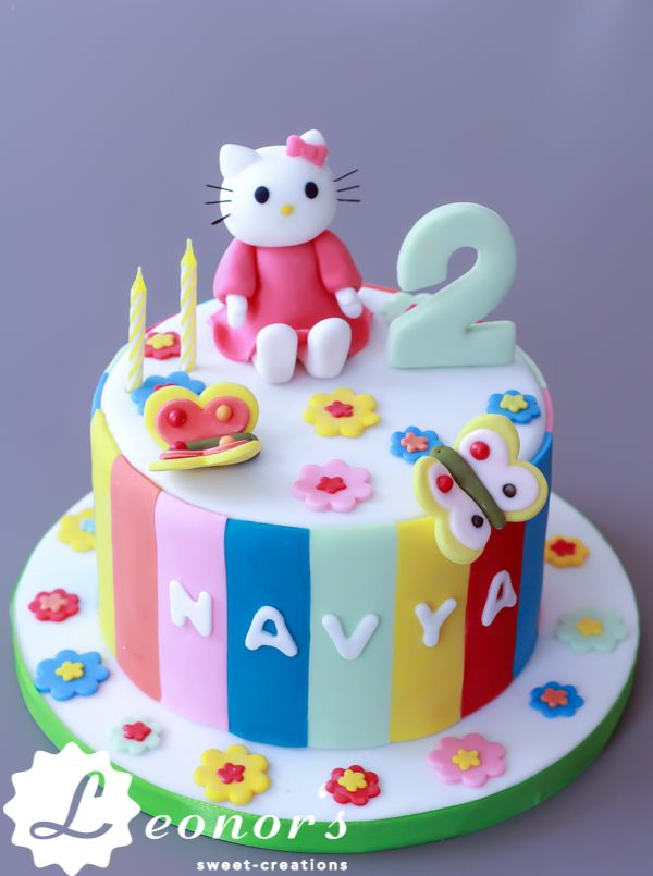 hello kitty girls 39 birthday cake hello kitty m dchen geburtstagskuchen so sweet and colorful. Black Bedroom Furniture Sets. Home Design Ideas