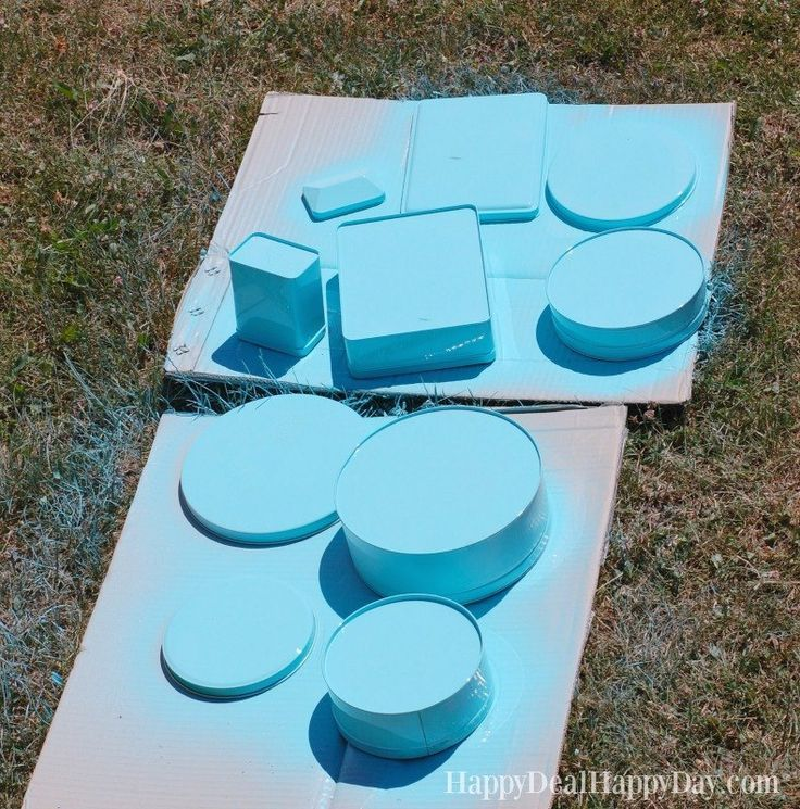 If you have old cookie tins, you must read this post! #DIY #crafts #upcycling