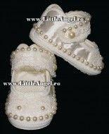 Pantofiori pentru botez pentru fetite PEARLS and LACE