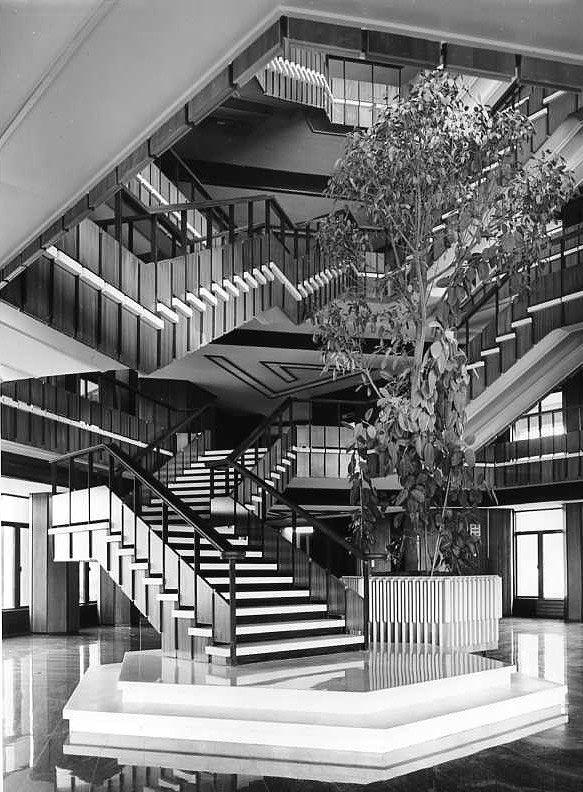 Olivetti, storia di un'impresa - Scalone del Palazzo Uffici Olivetti a Ivrea