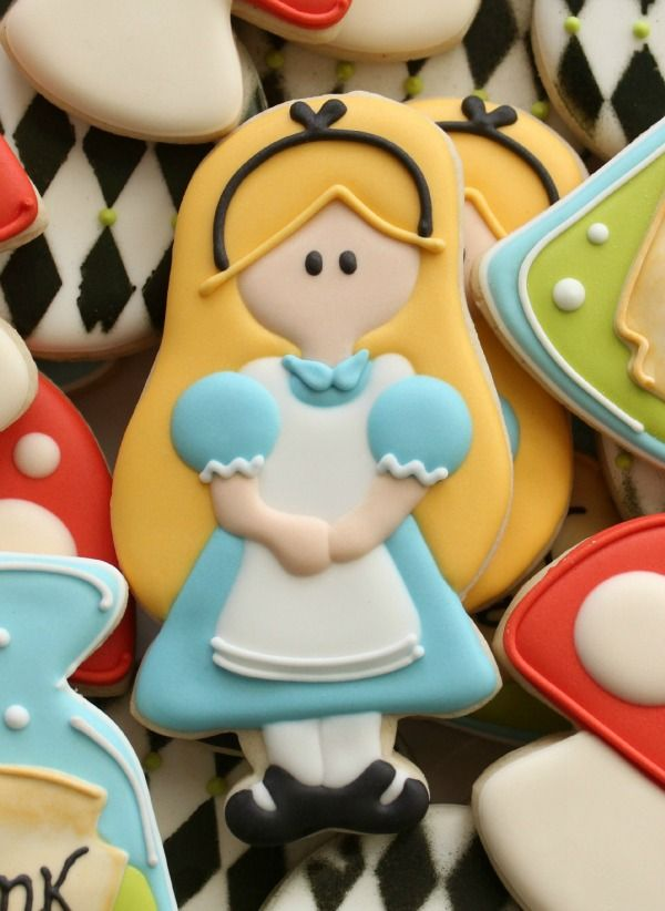 Alice in Wonderland Cookie Cutter 1