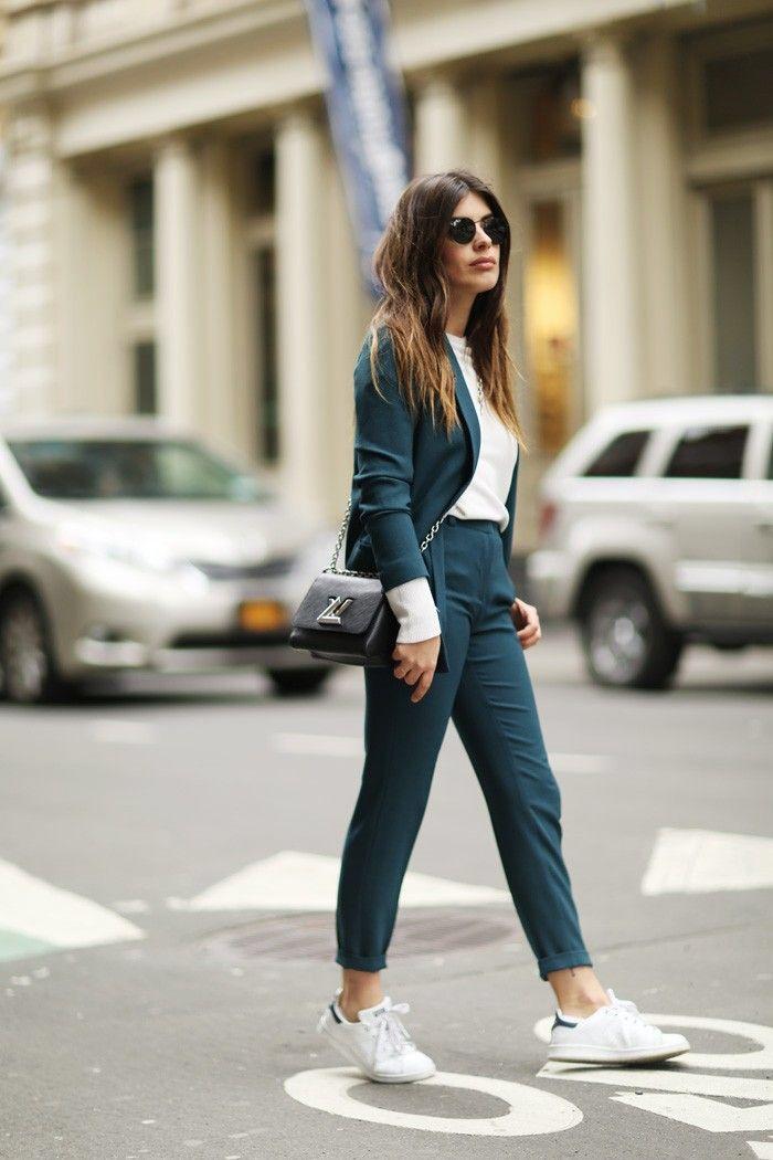 Esportivo e chique: as francesas usam roupas esportivas   – | Fashion • Athleisure Wear|