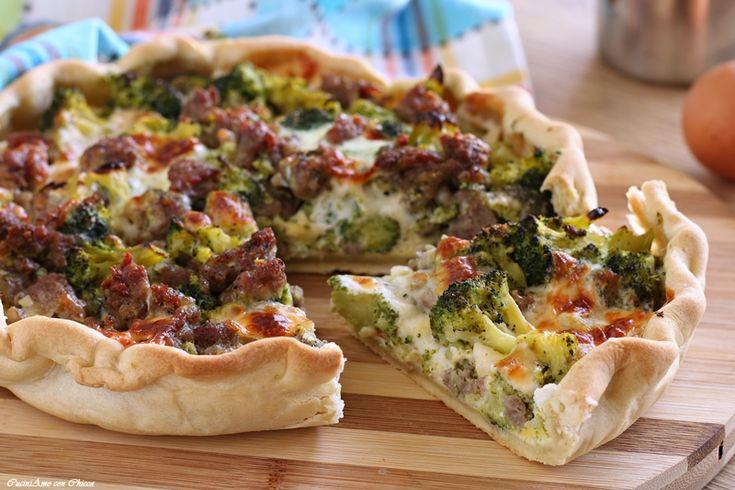Torta con broccoli salsiccia e provola