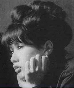 加賀まりこがかわいい!「月曜日のユカ」に学ぶ60'sレトロガーリー - NAVER まとめ