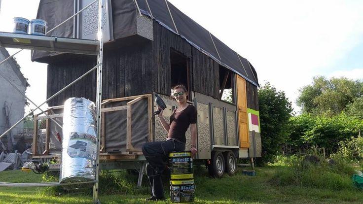 """Bonsoir,  Je souhaitai partage avec vous mon projet d'auto-construction d'une Tiny House. Il s'agit d'une petite maison en ossature bois qui repose sur une remorque. 6m de long par 2m55 de large pour une ...... (Forum """"Autoconstruction et entraide"""" - 10 messages)"""